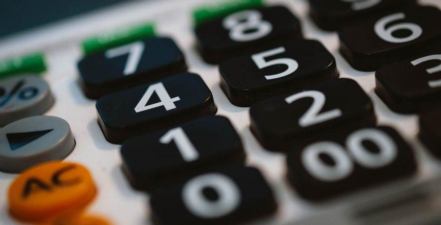 calculator-820330_1920 (1)